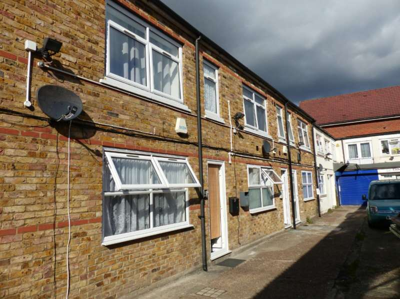 Studio Flat for sale in 16-22 Hermitage Lane, SE25 5HH, South Norwood, London SE25