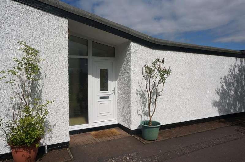 3 Bedrooms Semi Detached Bungalow for sale in Clouden Road, Kildrum, Cumbernauld, Glasgow G67