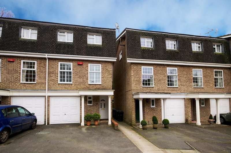 3 Bedrooms Terraced House for sale in Meyrick Park