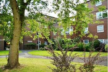 2 Bedrooms Maisonette Flat for sale in Boulton Grange, Randlay, Telford, TF3