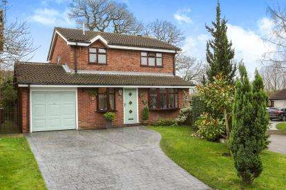 3 Bedrooms Detached House for sale in Warren Close, Middlewich, Cheshire