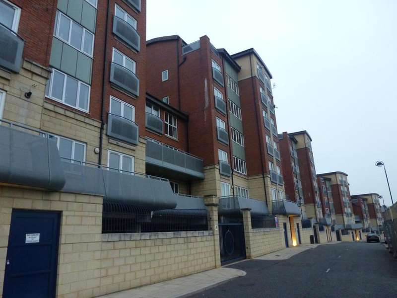 2 Bedrooms Penthouse Flat for rent in High Quays, East Quayside, Newcastle NE1