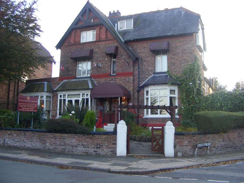 15 Bedrooms Detached House for sale in Shrewsbury Lodge Hotel, 31 Shrewsbury Road, Oxton