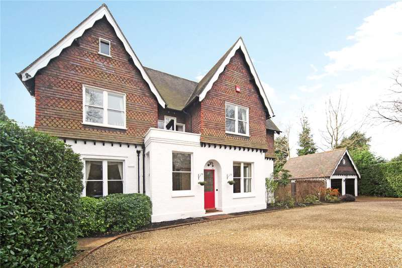5 Bedrooms House for sale in Branksomewood Road, Fleet, Hampshire, GU51