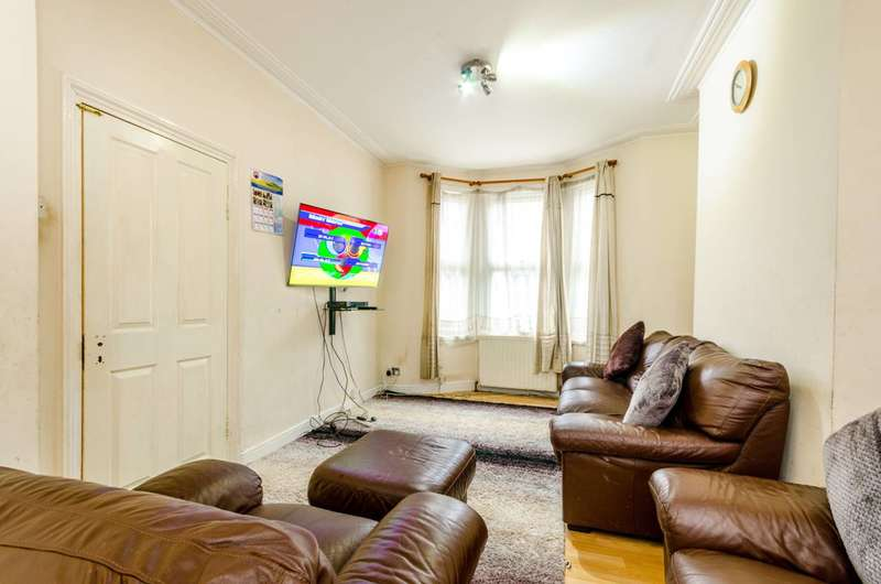 3 Bedrooms Terraced House for sale in Glasgow Road, Plaistow, E13