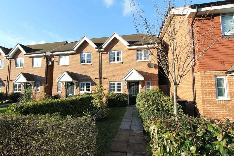 2 Bedrooms Semi Detached House for sale in Catteshall Lane, Godalming