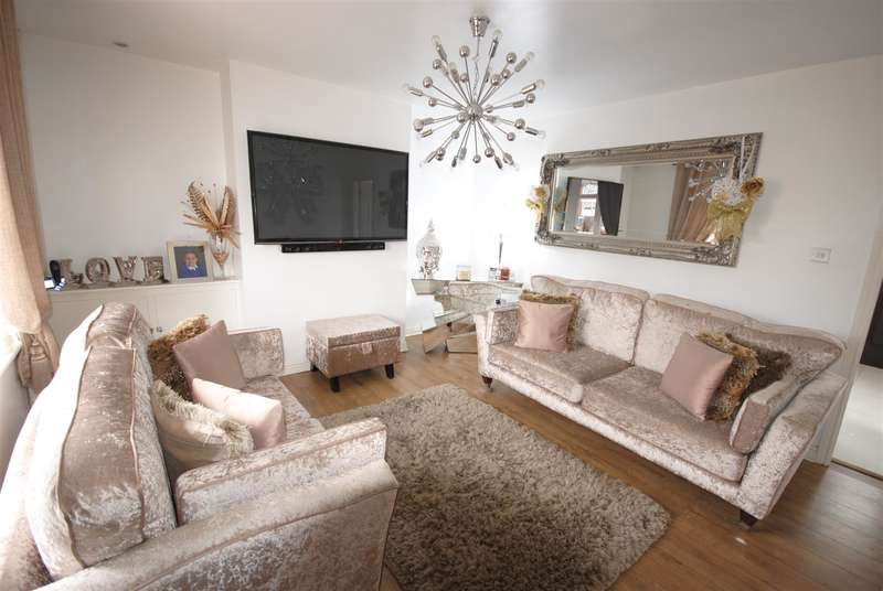 3 Bedrooms Property for sale in Pennington Lane, Ince