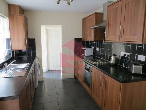 4 Bedrooms Terraced House for rent in Saxony Road, Kensington Fields, LIVERPOOL, L7