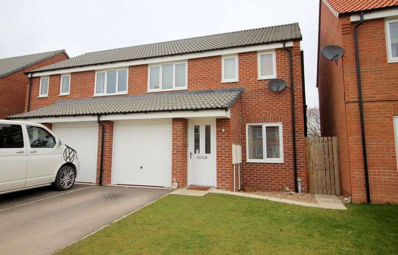 3 Bedrooms Semi Detached House for sale in Ferrous Way, North Hykeham, Lincoln