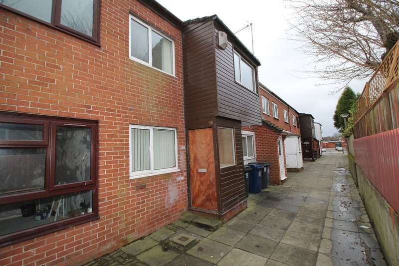 3 Bedrooms Property for sale in Castlehey, Skelmersdale, WN8