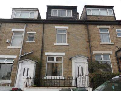4 Bedrooms Terraced House for sale in GARFIELD AVENUE, MANNINGHAM, BRADFORD BD8