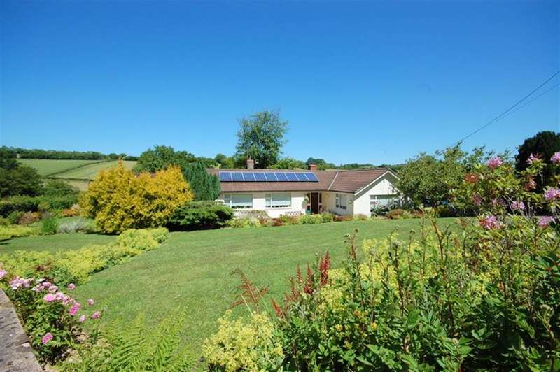 2 Bedrooms Detached Bungalow for sale in Huish Champflower TA4