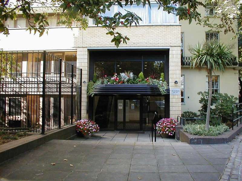 2 Bedrooms Maisonette Flat for sale in 32 Porchester Square