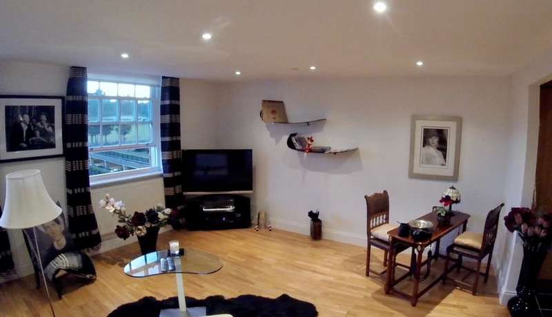 2 Bedrooms Apartment Flat for sale in Princess Park Manor, Royal Drive N11