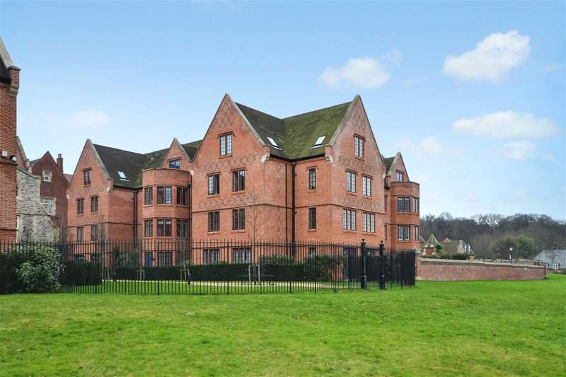 2 Bedrooms Apartment Flat for sale in Albert Court, The Galleries