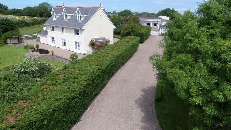 6 Bedrooms Detached House for sale in Llanmihangel Road, Cowbridge CF71