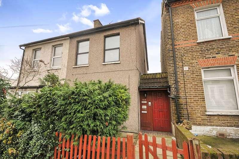 2 Bedrooms Flat for sale in Albert Road, London, SE25