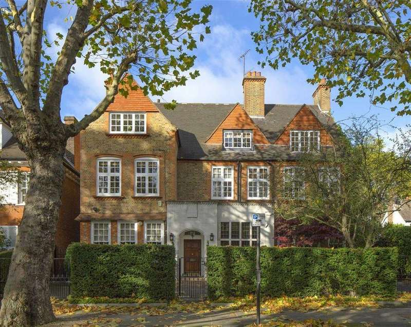 3 Bedrooms Flat for sale in Wadham Gardens, Primrose Hill, London, NW3