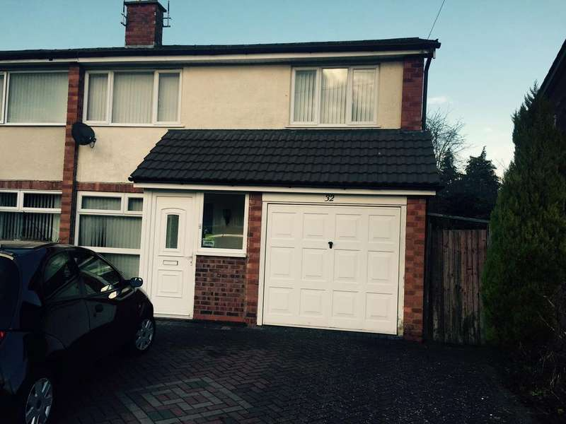 3 Bedrooms Semi Detached House for rent in St Christopher Close, Warwick, Warwick CV34