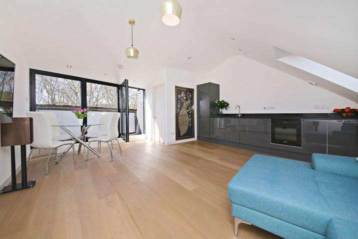 2 Bedrooms Duplex Flat for sale in South Hill Park, Hampstead NW3