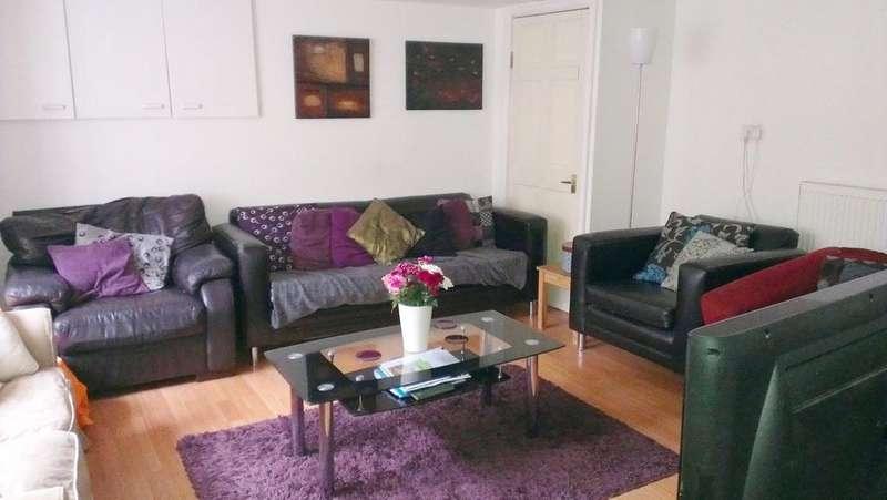 6 Bedrooms House Share for rent in Lumley Avenue, Burley, Leeds LS4
