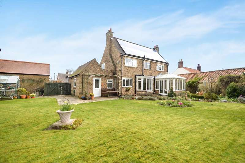 3 Bedrooms Detached House for sale in Low Moorgate, Rillington, Malton YO17