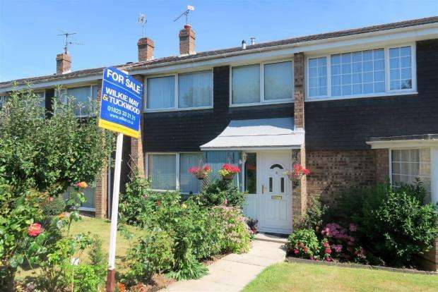 3 Bedrooms Semi Detached House for sale in Pikes Crescent, Taunton TA1