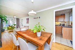 3 Bedrooms Semi Detached House for sale in Springett Avenue, Ringmer, Lewes, East Sussex