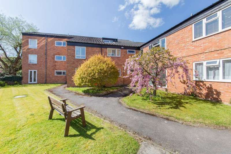 2 Bedrooms Apartment Flat for sale in Berkley Court, Berkhamsted