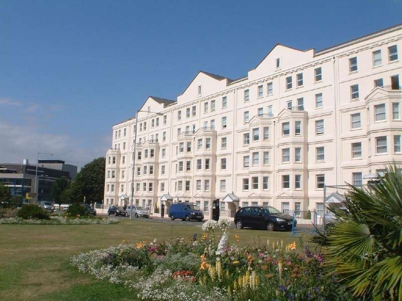 2 Bedrooms Flat for sale in ADJACENT SEAFRONT