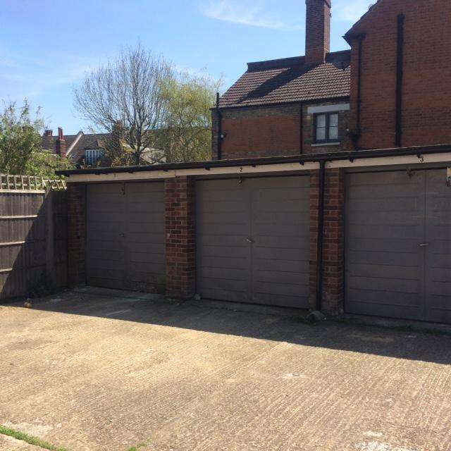 Ground Flat for sale in Birchington Court, Crouch Hall Road