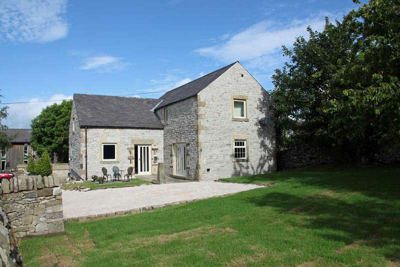 4 Bedrooms Detached House for sale in Hallyard House, Over Haddon, Bakewell, Derbyshire DE45