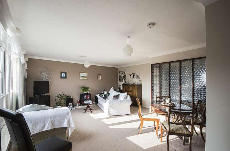 3 Bedrooms Apartment Flat for sale in 41 Haydon Close, Red House Farm, Gosforth, Newcastle upon Tyne NE3