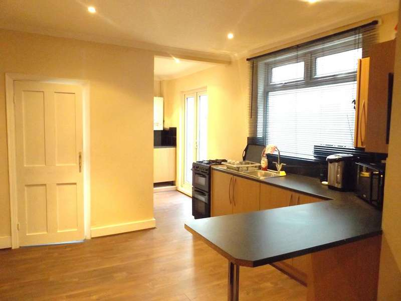 2 Bedrooms Maisonette Flat for sale in Southcroft Road, Tooting SW17