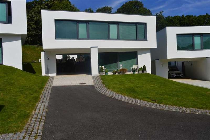 4 Bedrooms Detached House for sale in Castle View, Clyne Castle, Swansea