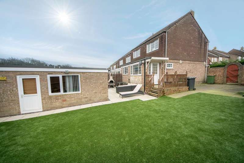 3 Bedrooms Semi Detached House for sale in Sherley Green, Bursledon, Hampshire SO31