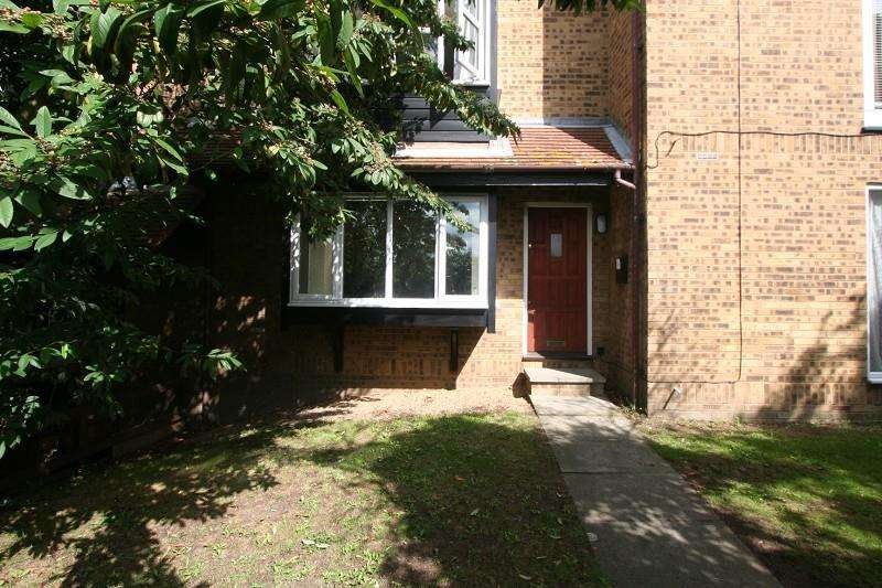 Studio Flat for sale in Knights Manor Way, Dartford, DA1