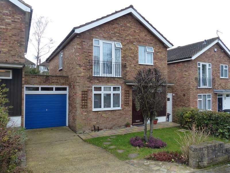 4 Bedrooms Detached House for sale in Hawthorndene Road, Hayes, BR2