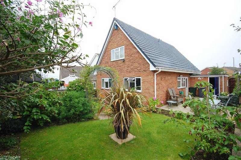 4 Bedrooms Detached House for sale in Eversley Court, Sherburn-In-Elmet, Leeds, LS25