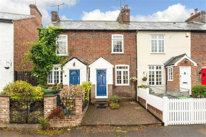 2 Bedrooms Terraced House for sale in Marquis Lane, Harpenden, Hertfordshire, AL5