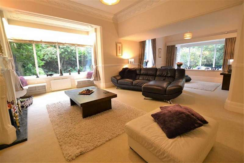 5 Bedrooms Semi Detached House for sale in Skipton Road, Foulridge, Lancashire