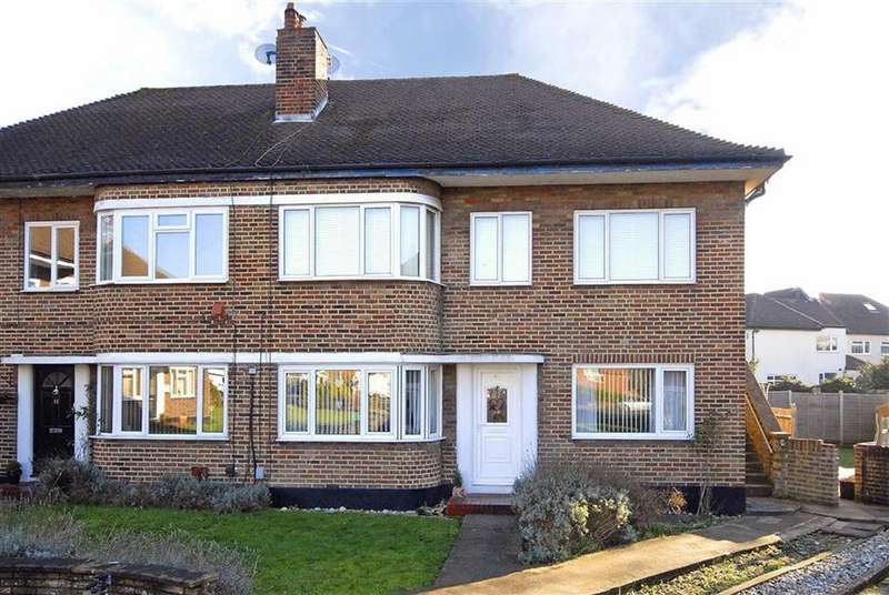 2 Bedrooms Maisonette Flat for sale in Rosslyn Close, West Wickham, Kent