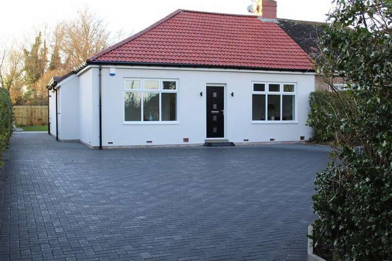 3 Bedrooms Semi Detached Bungalow for sale in Cornmoor Road, Whickham, Newcastle Upon Tyne