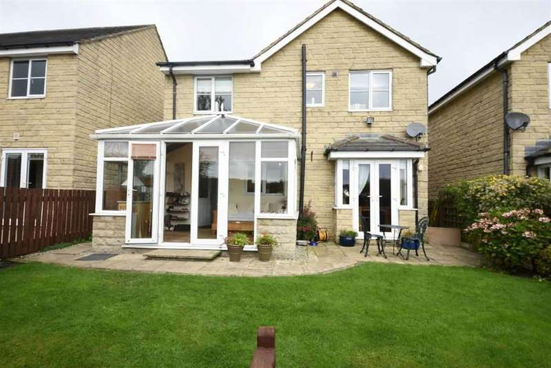 3 Bedrooms Detached House for sale in Highcliffe Court, Halifax