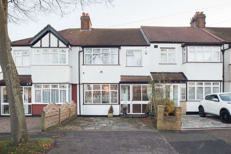 3 Bedrooms Property for sale in Buxton Crescent, Cheam, Sutton, SM3