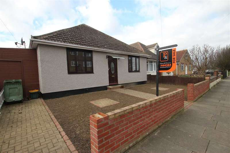 5 Bedrooms Bungalow for sale in Brighton Road, Holland-On-Sea