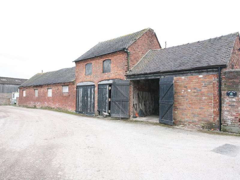 4 Bedrooms Barn Character Property for sale in The Barns, Yew Tree Farm, Pottal Pool Road, Penkridge, ST19 5RN