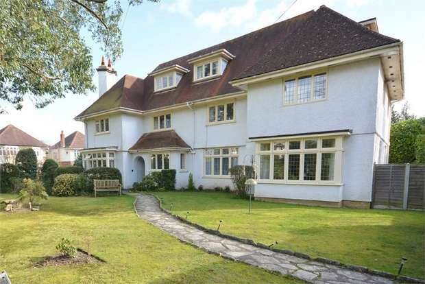 1 Bedroom Flat for sale in Stirling Road, Talbot Woods, Bournemouth