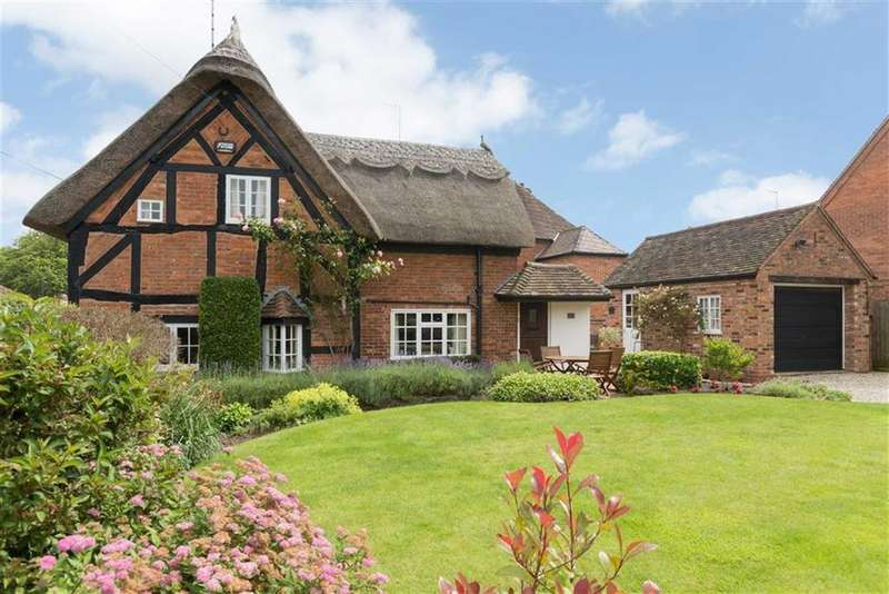 2 Bedrooms Cottage House for sale in Vicarage Road, Stoneleigh, CV8