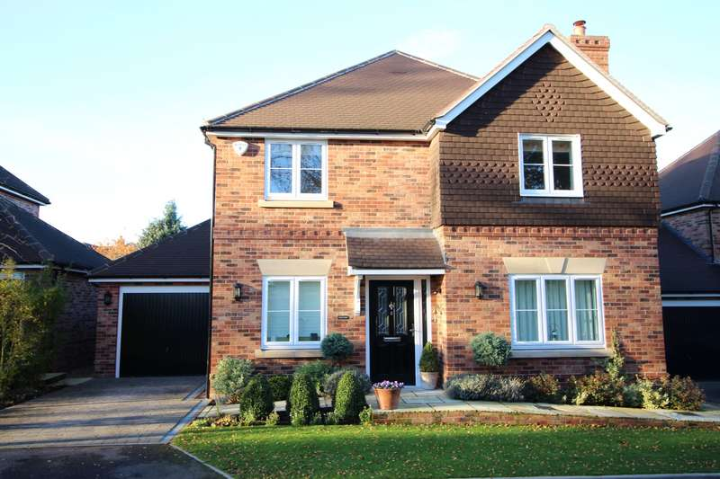 4 Bedrooms Detached House for sale in Maytree Walk, Caversham, Reading, RG4